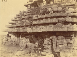 Close view of left half of west façade and roof of the mandapa of the Surya Temple or Black Pagoda, Konarka 1003345